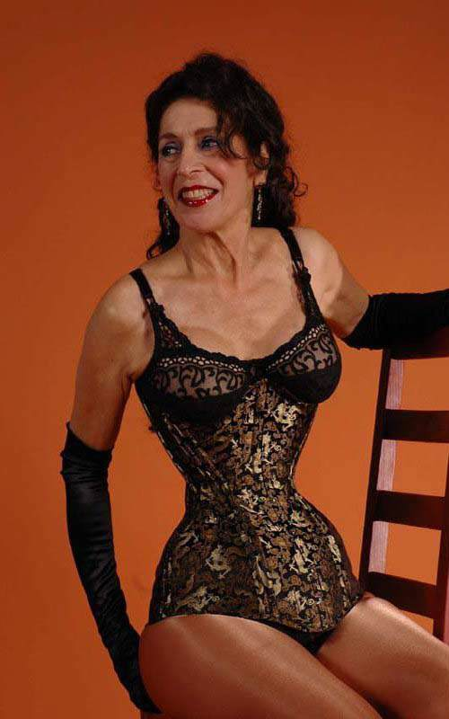 Cathie in her J.C. Creations underbust corset